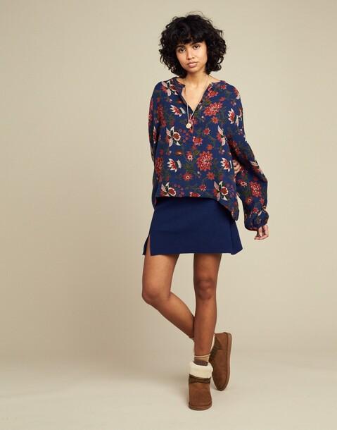 Floral blouse batik
