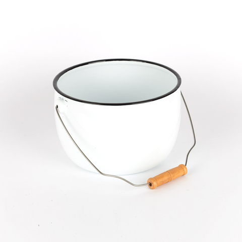 TIN BOWL WITH HANDLE M