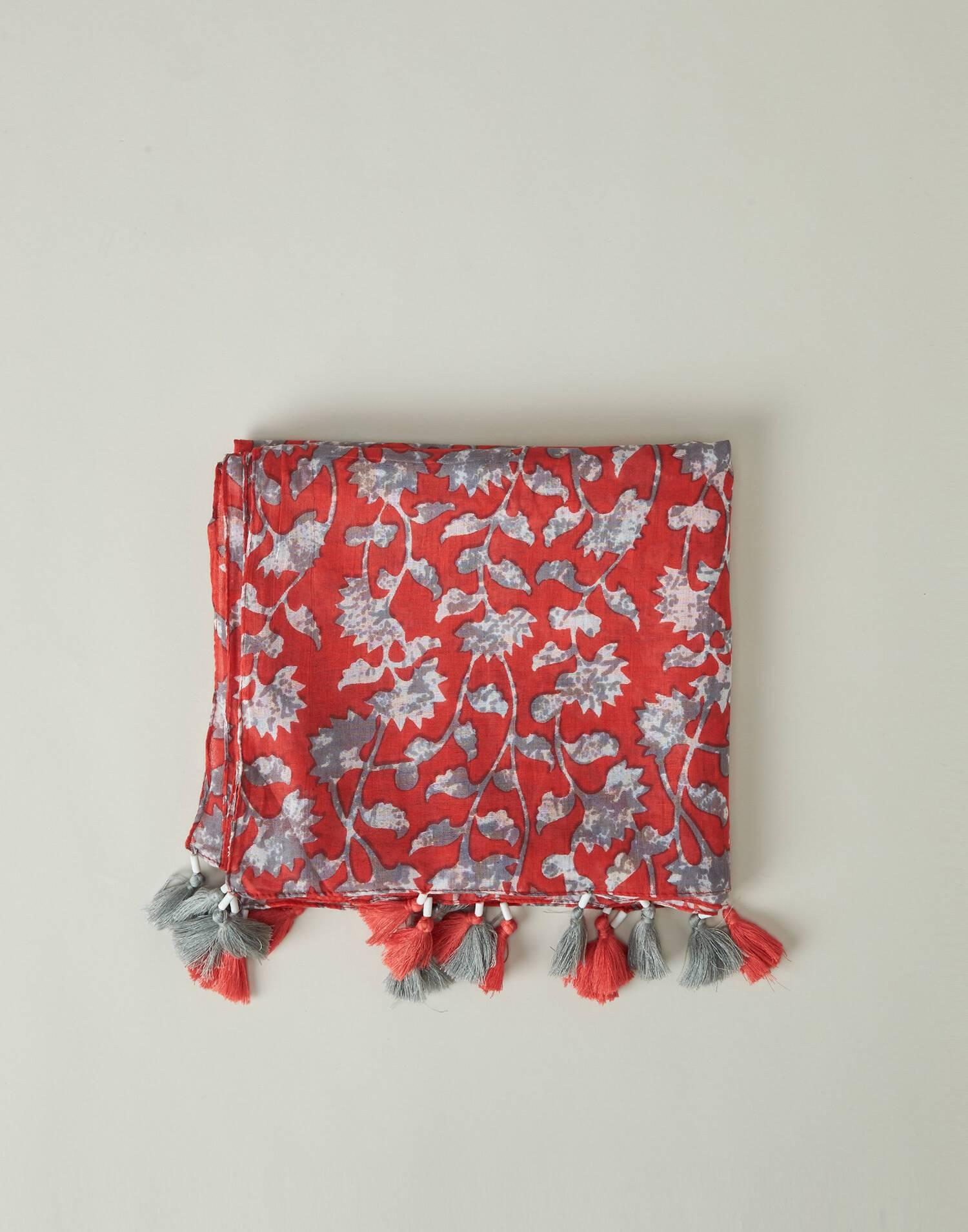 Leaves print foulard