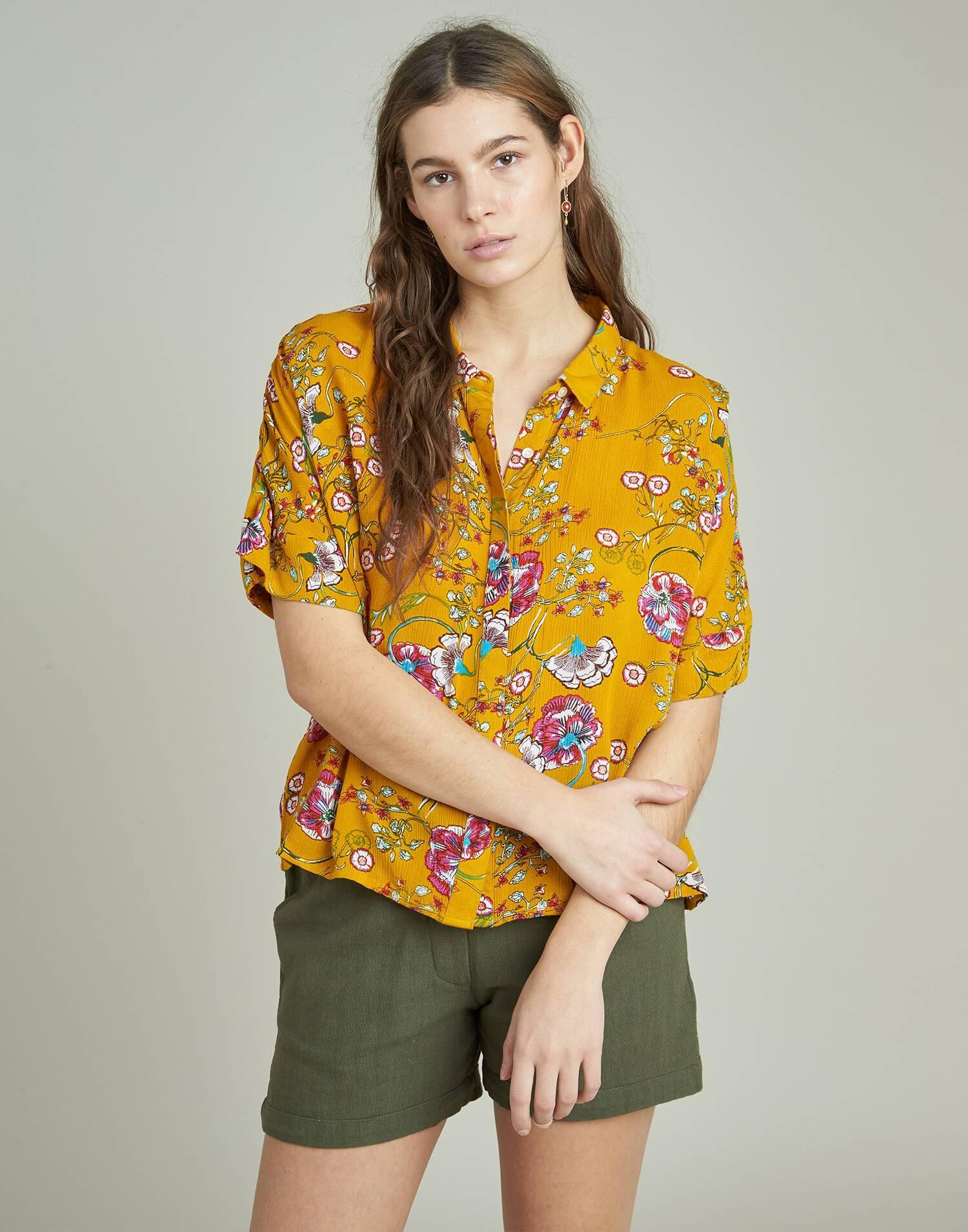 Floral short sleeves shirt