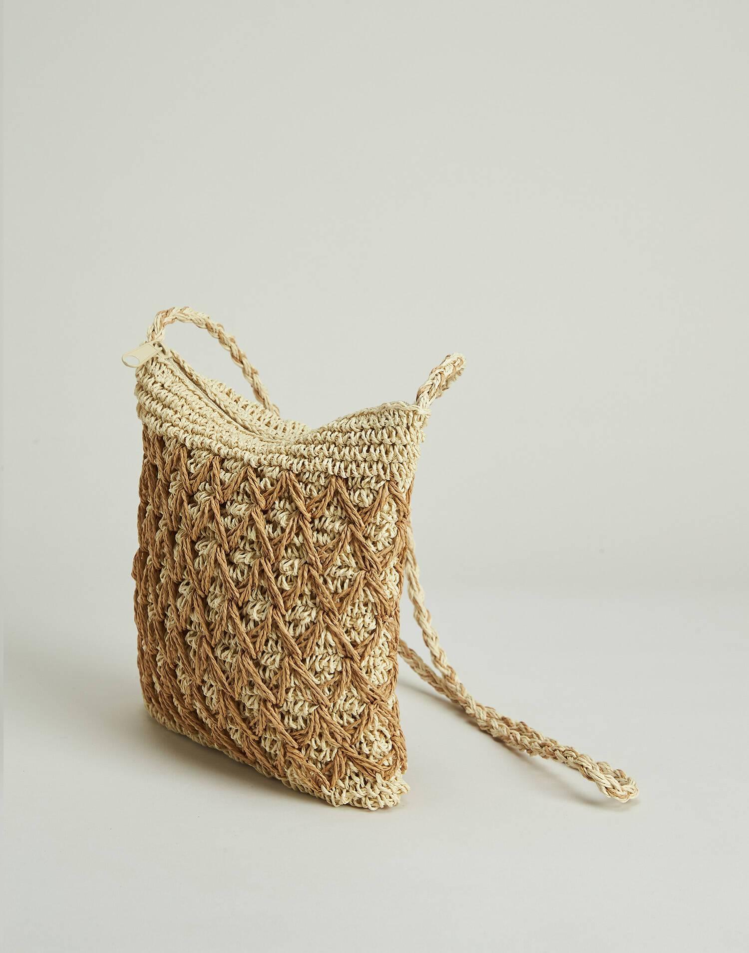 Bolso de papel con rombos