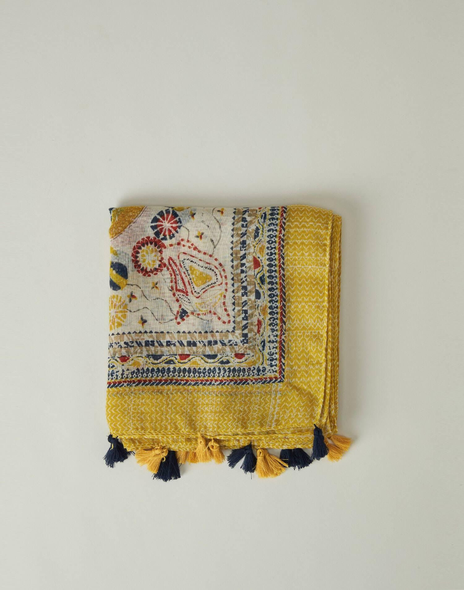 Flower and edges print foulard