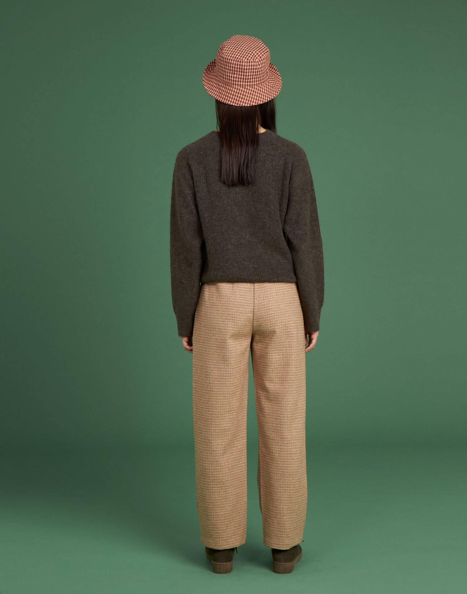 Ribbed unisex sweater