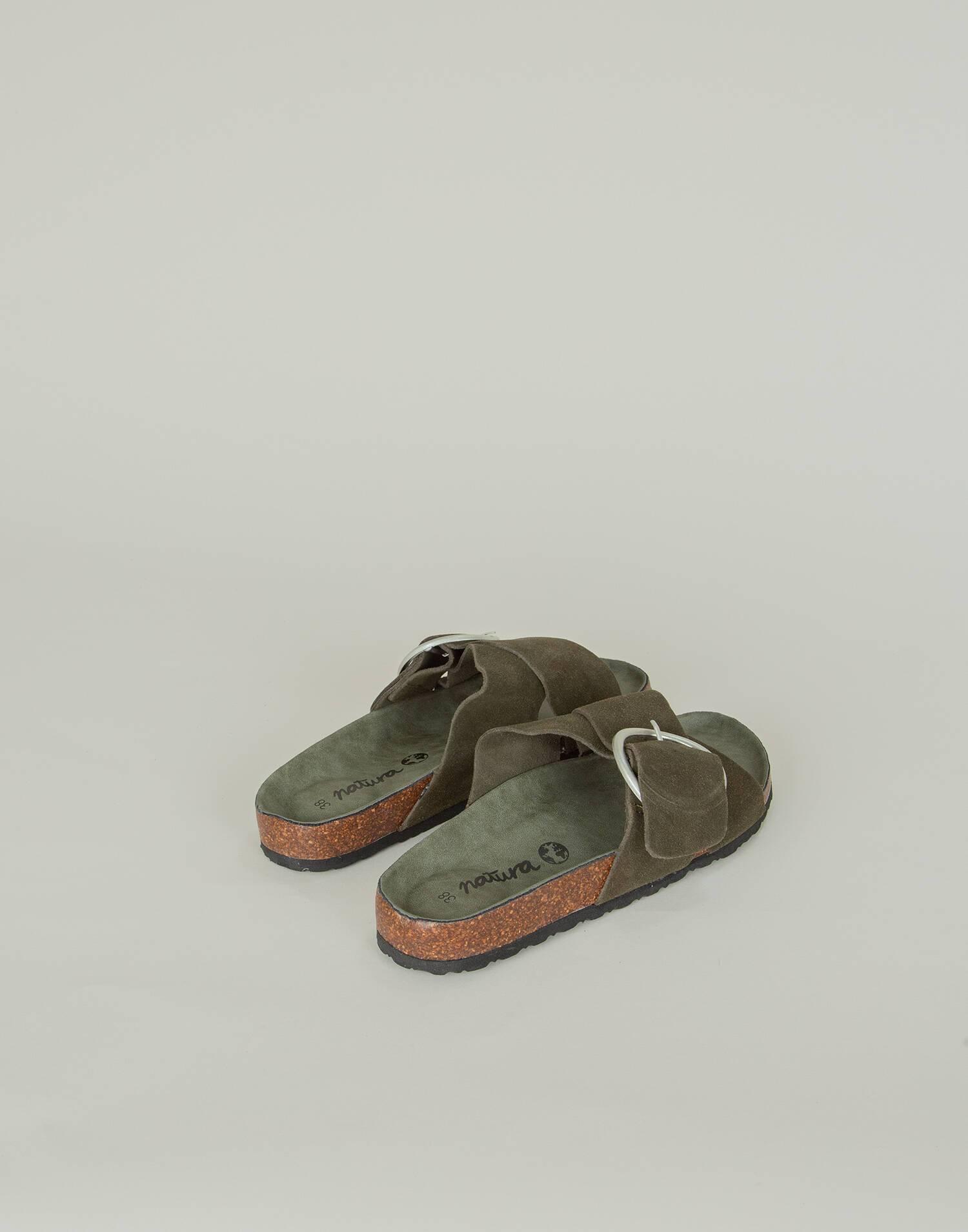 Crossed strap ergonomic leather sandal