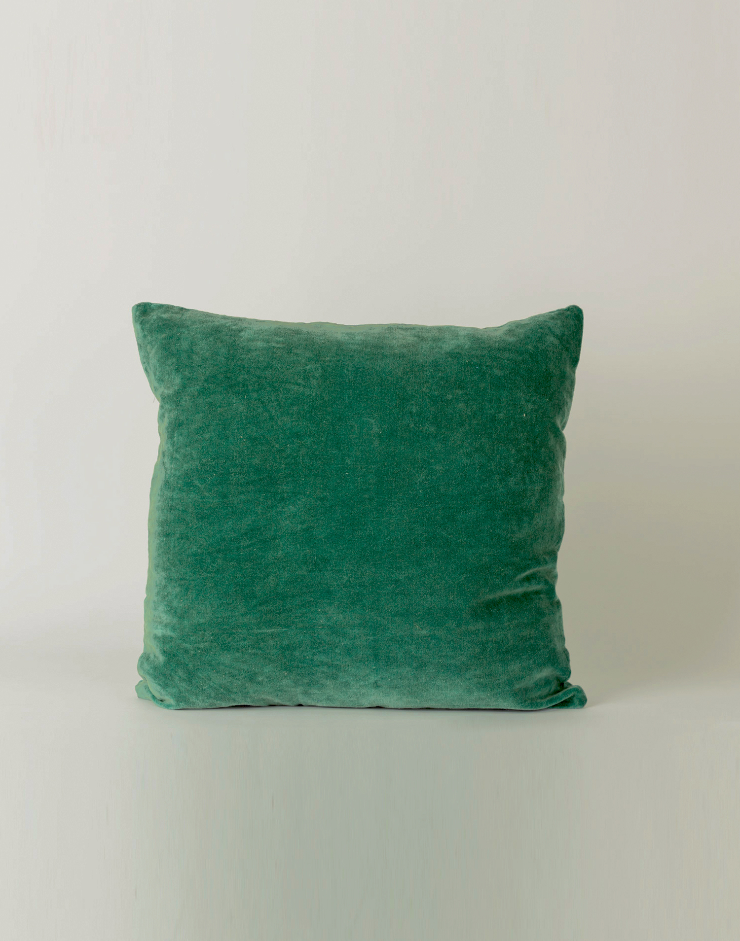 Velvet cushion cover 45 x 45