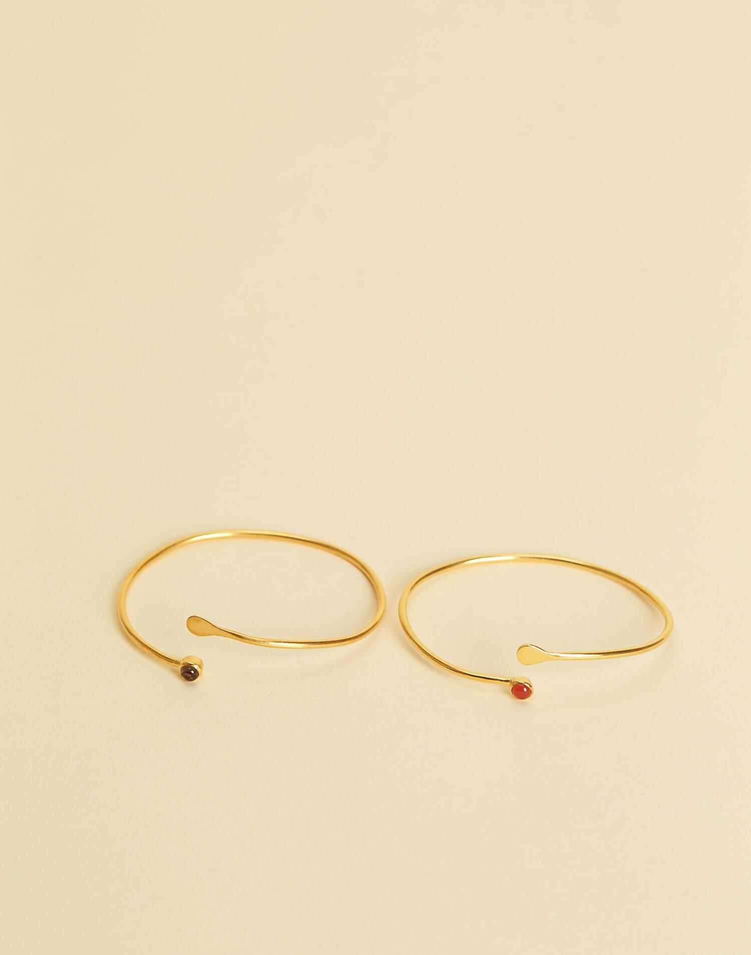 Adjustable stone bracelet